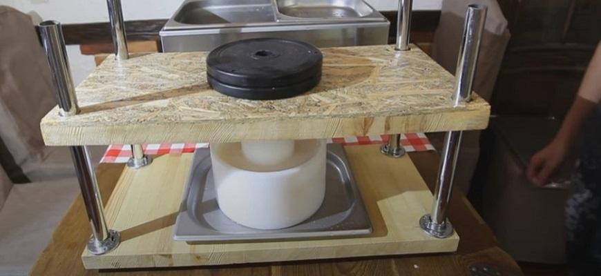 Приготовление сыра маасдам в домашних условиях из коровьего молока 5